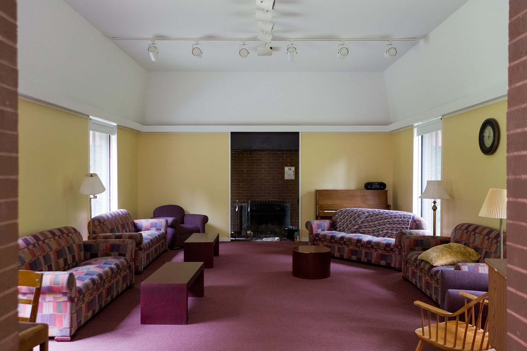 Amherst college cadigan center for religious life for Amherst family room